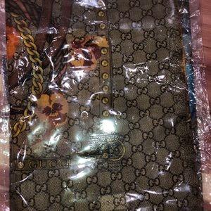 Gucci Accessories - Gucci pansy scarf